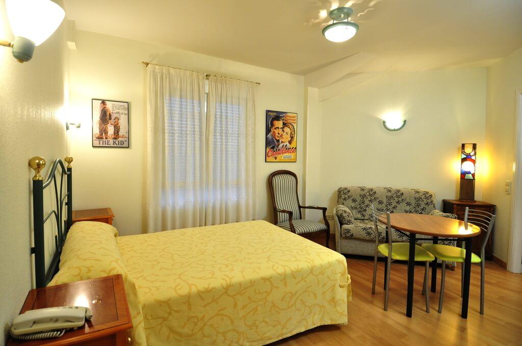 Hôtel Apartamentos ARALSO Sotillo 02