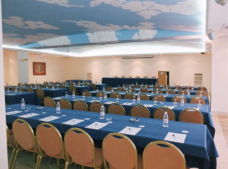 S. Sierra Room 2