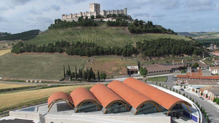 The Association 'The Cloister' of Santa María organizes a wine tourism event