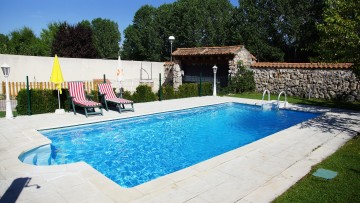 Pool2 04 360x203